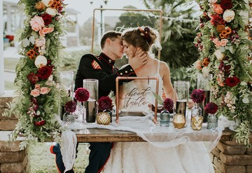 7 Sweetheart Table Ideas That Wow