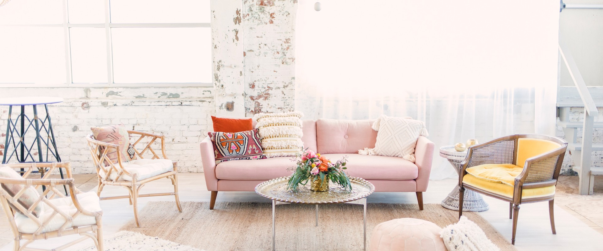 How to Create a Wedding Lounge Area with Gather and Lounge