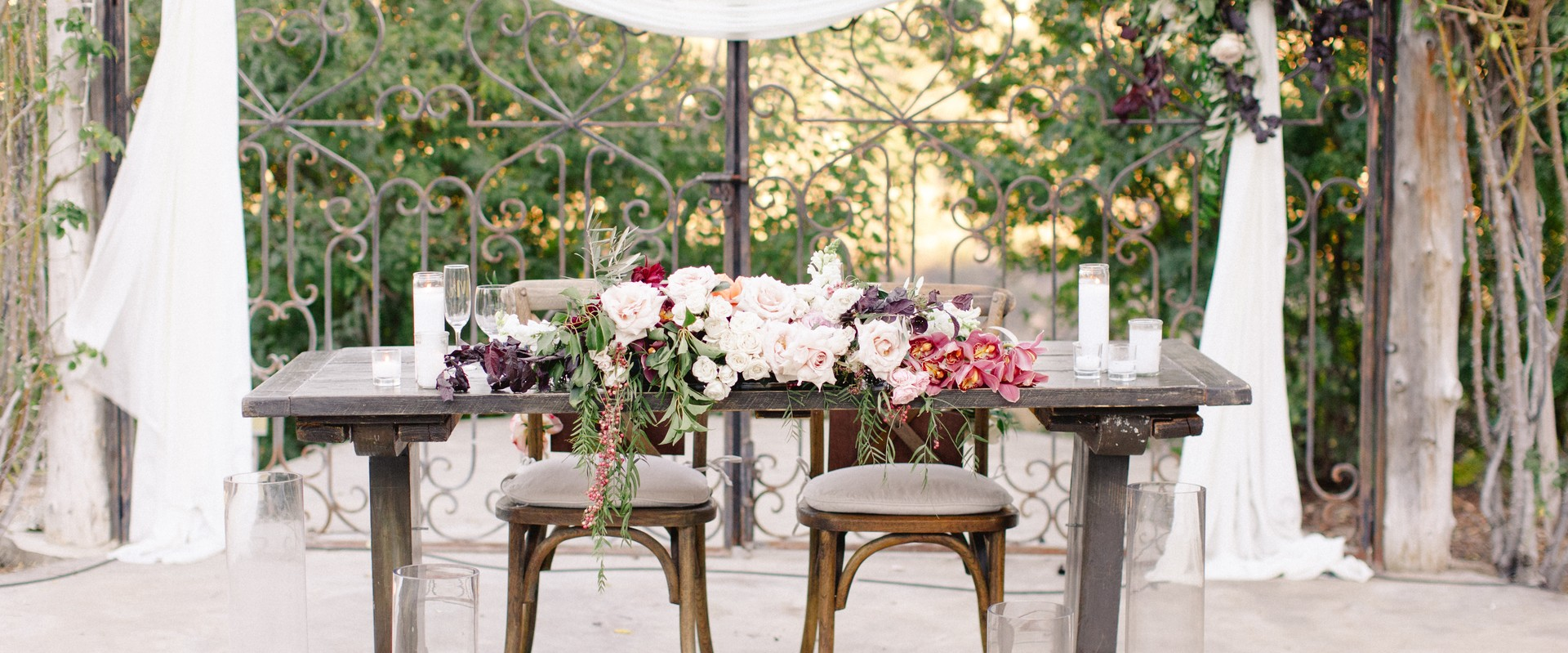 How Much Should I Spend on Wedding Flowers?
