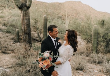 Intimate Vow Renewal Ceremony in the Desert