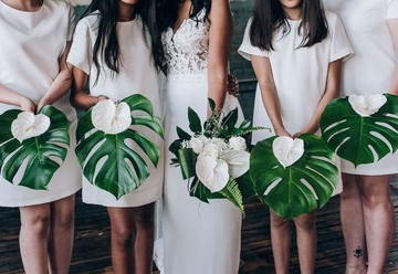 Modern Tropical Wedding at the Art Factory