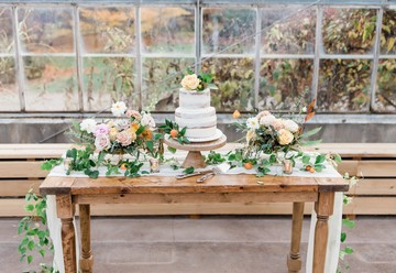 Gorgeous Greenhouse Wedding Inspiration