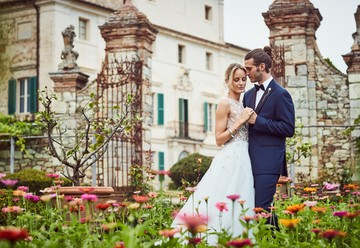 An Intimate Elopement in a Tuscan Villa