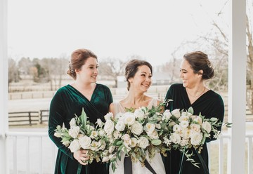 Wintery Emerald Wedding Inspiration