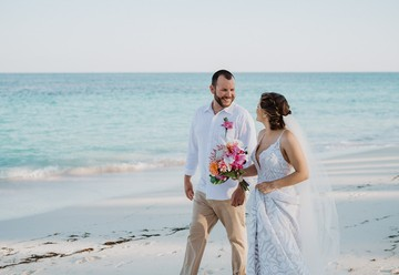 Beautiful Beach Wedding in the Bahamas