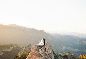 Sun Soaked Soiree: Malibu Rocky Oaks Wedding