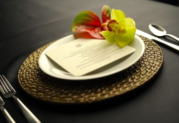 The Tropical Place Setting